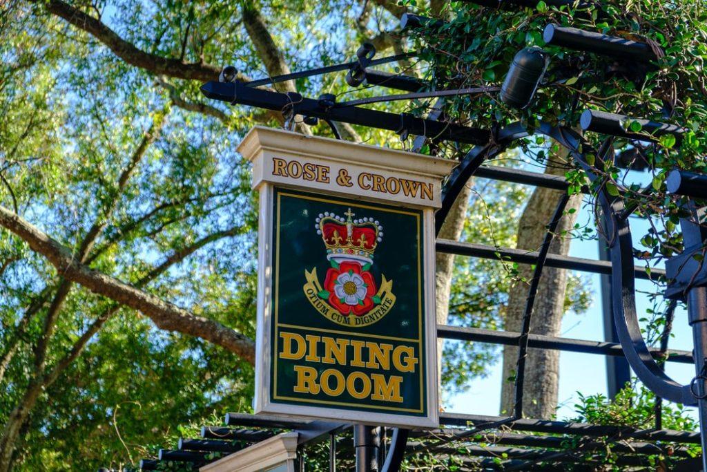 disneyland vs disneyworld dining